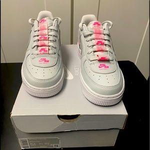 Nike Air Force 1 LV8 (GS) 5.5
